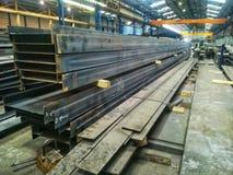Constructions métalliques lourdes et grandes dans un métal ouvré photos stock