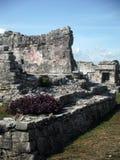 Constructions maya dans le site archéologique de Tulum Image stock