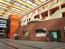 Constructions modernes étonnantes de l'hôpital d'Asti photo stock