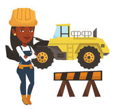 Constructor confidente con los brazos cruzados libre illustration