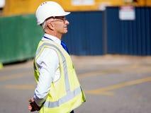Constructor del ingeniero en el emplazamiento de la obra Imagen de archivo