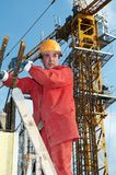 Constructor en el emplazamiento de la obra foto de archivo libre de regalías