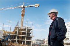 Constructor en el emplazamiento de la obra Imagen de archivo