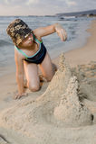 Construindo um castel da areia Fotografia de Stock