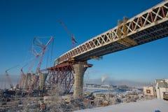 Construindo uma ponte Fotos de Stock