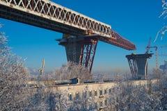Construindo uma ponte Imagens de Stock Royalty Free