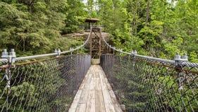 Construindo uma ponte sobre a abertura Fotos de Stock