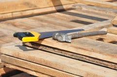 Construir considerou a plataforma da indústria das placas do martelo Imagens de Stock
