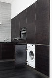 Construir-en la lavadora y la cocina en cocina Fotos de archivo libres de regalías