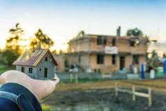 Construisez une maison Images libres de droits