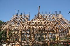 Construisez une maison dans le type thaï image stock
