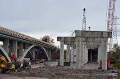 Construção de estradas da passagem superior Fotos de Stock