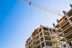 Construtores em um telhado Fotografia de Stock