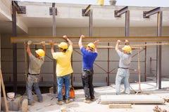 Construtores no trabalho fotos de stock