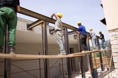 Construtores no trabalho Fotos de Stock Royalty Free