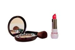 Construya el polvo en caja, cepillo profesional e isola rojo del lápiz labial Foto de archivo