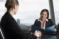Consulta com conselheiro de imposto Fotos de Stock Royalty Free