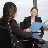 Consulta com conselheiro de imposto Imagens de Stock