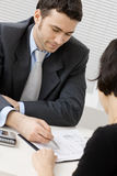 Consulta del hombre de negocios Foto de archivo libre de regalías