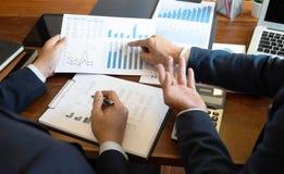 Consultant en matière de comptabilité, planification de planification de Financial Consultant Financial de conseiller commercial photo libre de droits