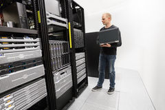 It consultant working in datacenter Royalty Free Stock Images