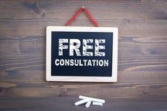 Consultazione libera Successo di affari e concetto di servizio di assistenza al cliente Lavagna su un fondo di legno immagini stock libere da diritti