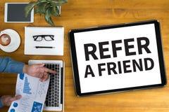 Consulte um amigo imagem de stock royalty free