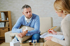 Consulting with psychologist Royalty Free Stock Photos