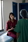 Consulto dei chirurghi Immagini Stock Libere da Diritti