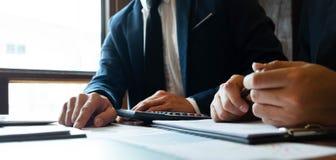 Consultor de la contabilidad, planeamiento del planeamiento de Financial Consultant Financial del consultor de negocio foto de archivo libre de regalías