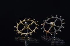 Consumato e Rusty Escape Wheels su fondo nero Fotografia Stock Libera da Diritti