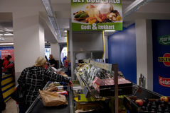 CONSUMER SHOPPING IN GERMAN LIDL FOOD CHAIN Royalty Free Stock Image