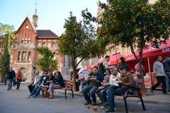 Consumición de la paella, comida valenciana tradicional Foto de archivo libre de regalías
