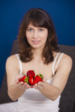 Consumición de las fresas Imagenes de archivo