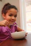Consumición del desayuno imagen de archivo libre de regalías
