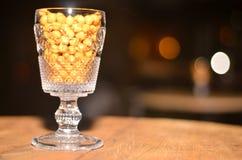Consumición deliciosa, sana, maíz en vidrio Fotos de archivo libres de regalías
