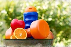 Consumición sana y actividad física a la salud Fotos de archivo libres de regalías