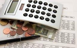 Contabilità, calcoli di affari, calcolatore, conteggio dei fondi immagini stock libere da diritti