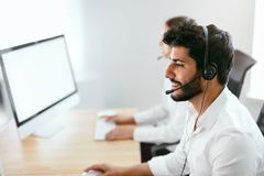 Contact Center Agent Consulting Customers Online Royalty Free Stock Photography