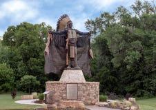 Contact en chef les nuages sculpture, Edmond, l'Oklahoma image stock
