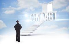 Contacte contra as etapas que conduzem ao estar aberto no céu Imagens de Stock Royalty Free