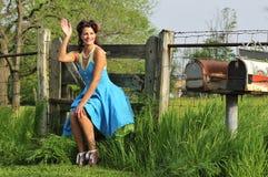 Contacto del país encima de la muchacha en una granja imagen de archivo