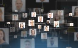 Contacts d'affaires au-dessus de fond bleu-foncé Photo stock