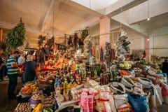 Contador abundante del Bazar de las mercancías georgianas tradicionales para la venta en fotografía de archivo libre de regalías