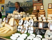 Contador con queso Imagenes de archivo