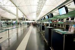 Contador de enregistramiento en el aeropuerto Imagen de archivo
