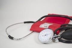 Contador de la presión arterial imagenes de archivo