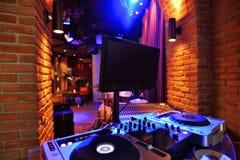 Contador do DJ no estilo da barra do sótão Imagem de Stock