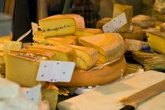 Contador do queijo fotografia de stock