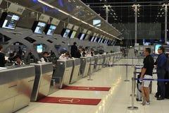 Contadores de enregistramiento del aeropuerto Imágenes de archivo libres de regalías